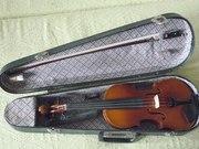 Продам 2/4 скрипку,  б/у